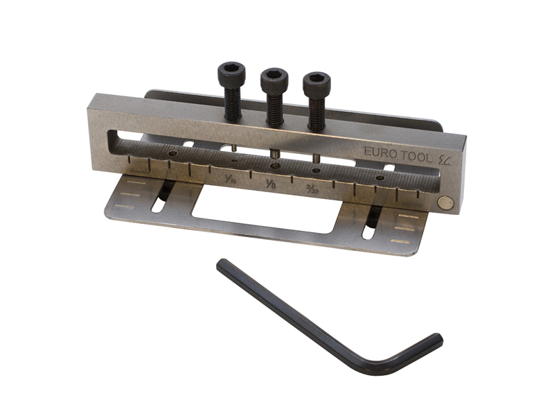 DELUXE 3 HOLE METAL PUNCH